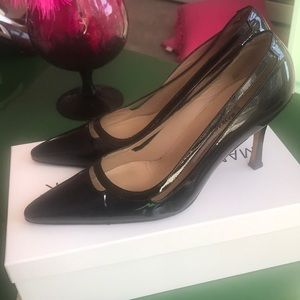 Manolo Blahnik Chic Black Patent Pumps size 37.5